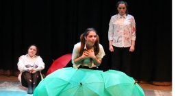 Drama Students Prepare for Practical Exam
